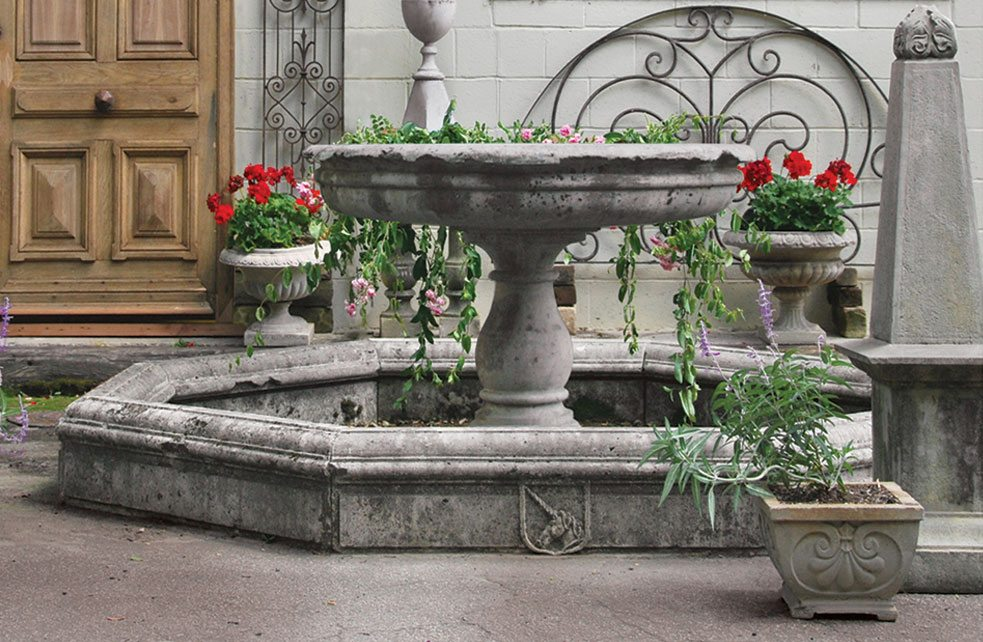 Antique_garden_decor